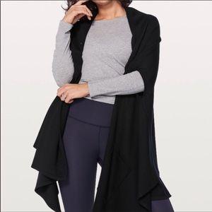 Lululemon luxurious wrap vest with pockets black
